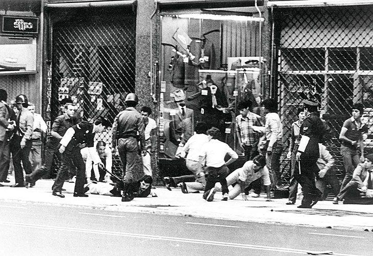 2403_represion_militar_argentina_cedoc_g.jpg