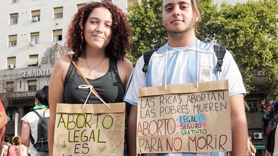 2503_aborto_marcha_ferrari_g.jpg