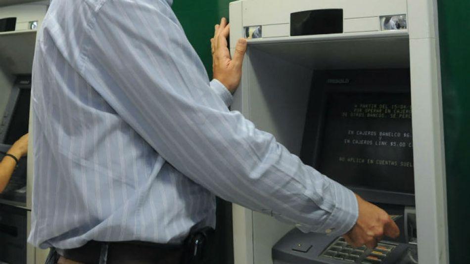 Los bancos no abrirán al público hasta el 31 de marzo.