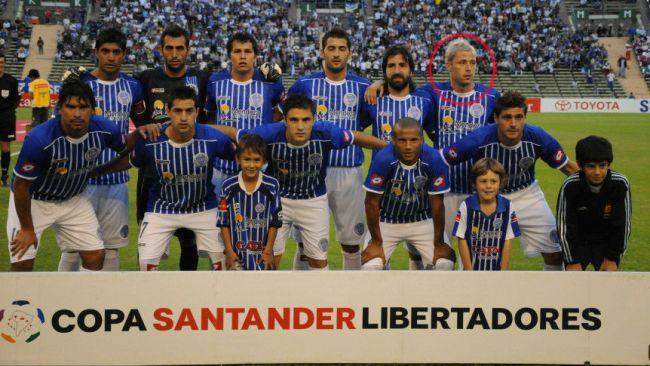 La pose curiosa de un jugador argentino para memorar a su hermano
