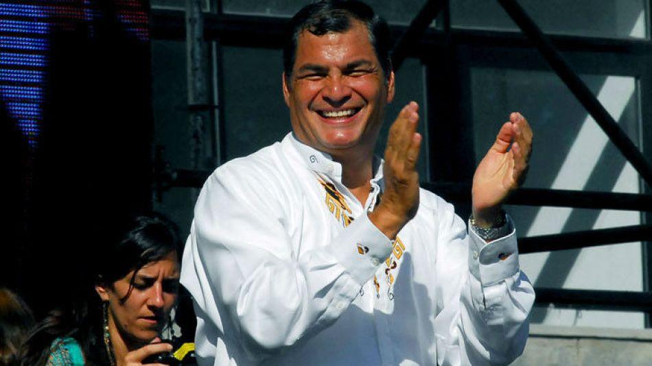 Correa, cuando recibió otro premio de la Universidad de La Plata en 2012.