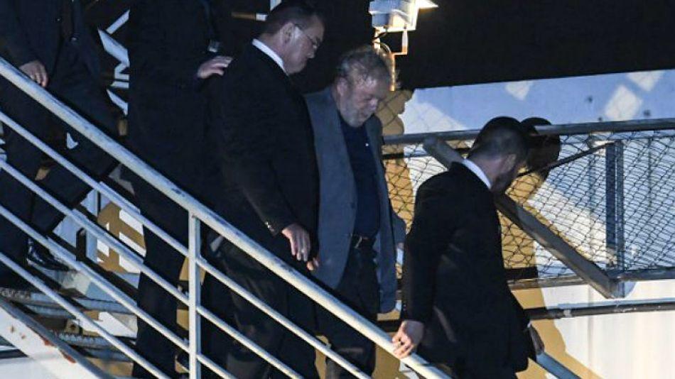 Lula, llegando a Curitiba.