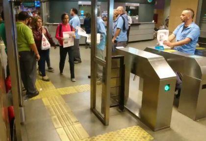 Liberaron los molinetes en la estación San Pedrito de la línea A.