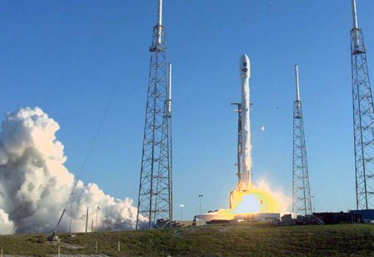 El TESS (Transiting Exoplanet Survey Satellite), rumbo al espacio.