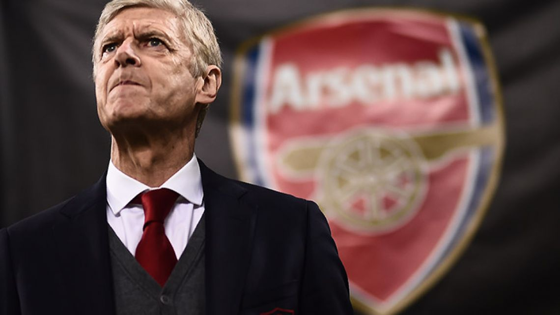Arsène Wenger has announced he will step down as coach of English side Arsenal, ending a 22-year reign leading the club