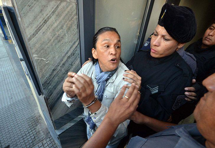 Jujuy: La detenida dirigente social Milagro Sala debió ser trasladada por el SAME a un hospital cercano.