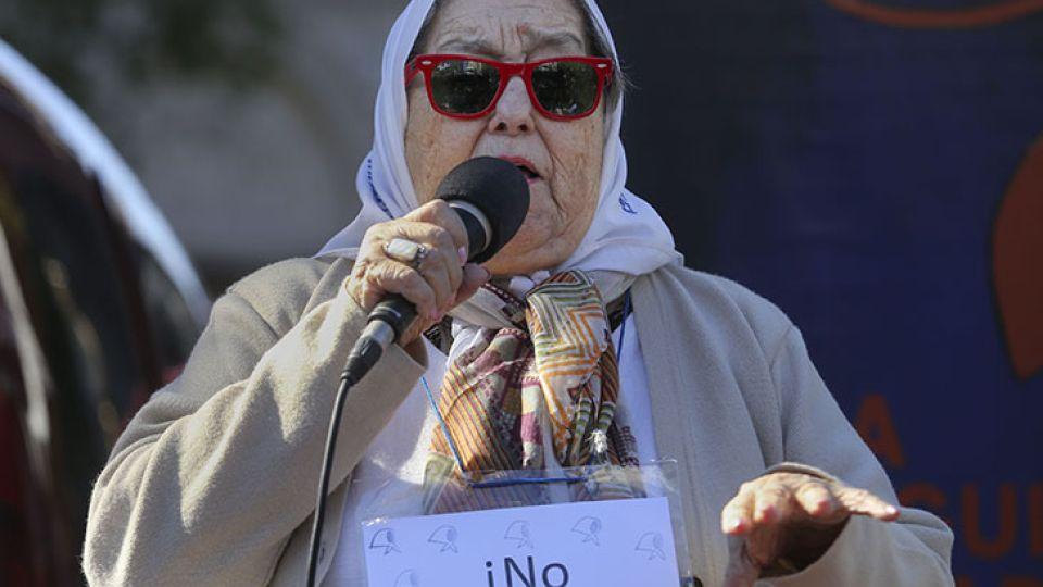 La titular de Madres de Plaza de Mayo, Hebe de Bonafini, volvió a arremeter contra el presidente Mauricio Macri.
