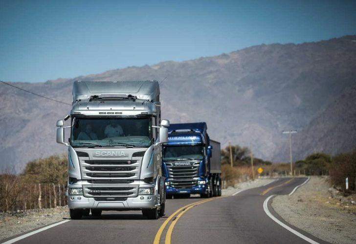 El transporte de cargas pide bajar el gasoil por la caída del petróleo