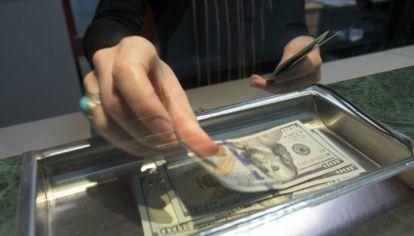 Se aceleró la devaluación y el dólar volvió a marcar otro récord.