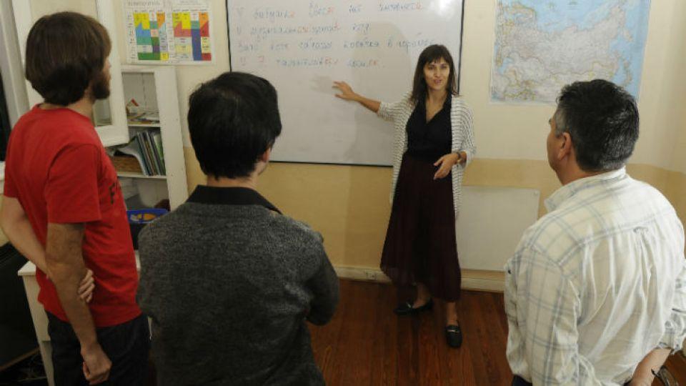 En accion. La Escuela de Ruso y el CUI dictan cursos prácticos.