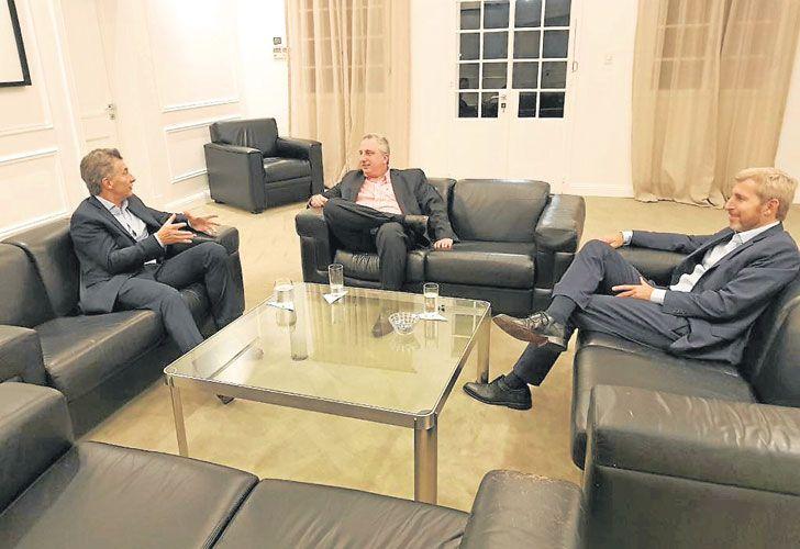 20180511_1306_politica_El-presidente-Macri-recibio-en-Olivos-al-gobernador-de-Misiones.jpg