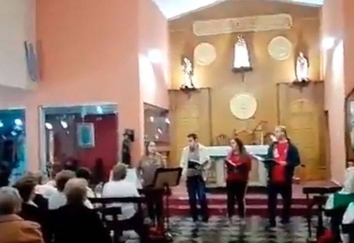 iglesia-gritos-auto-mal-estacionado-05152018