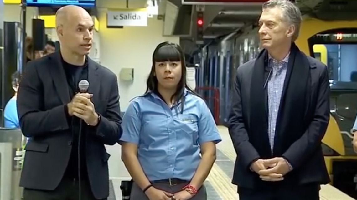 Buenos Aires Mayor Horacio Rodriguez Larreta, President Mauricio Macri and a subte worker during the May 17 inauguration of the Law Faculty station in Recoleta.
