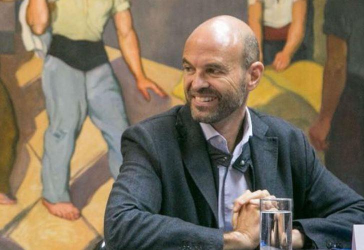 Guillermo Dietrich en una conferencia de prensa.