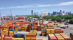 20180519_1309_economia_shutterstock_containers--contenedores-buenos-aires-(4)