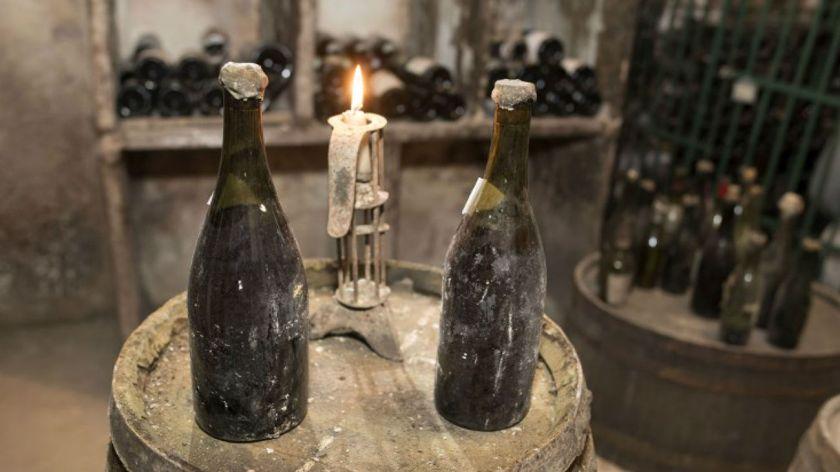 Subastan un vino de 250 años en Francia