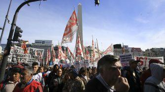 El centro porteño vivirá un 25 de Mayo con numerosas movilizaciones.