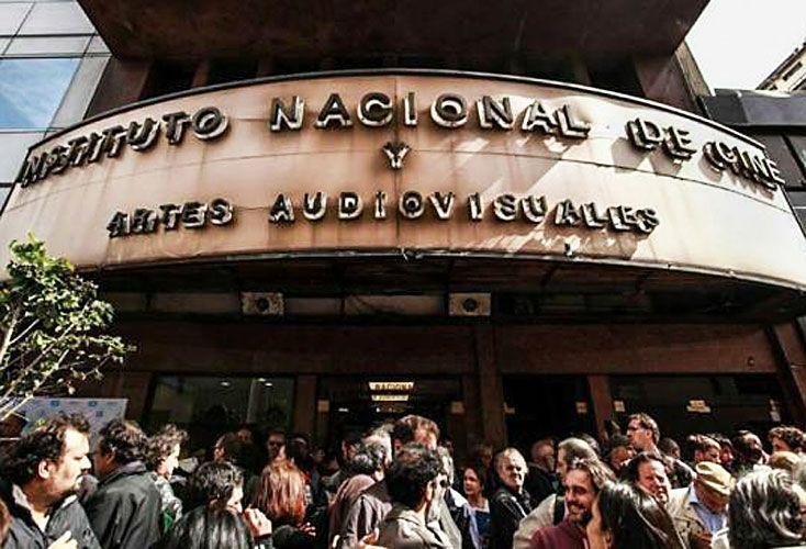 En medio de sospechas por irregularidades, suspendieron al gerente del INCAA