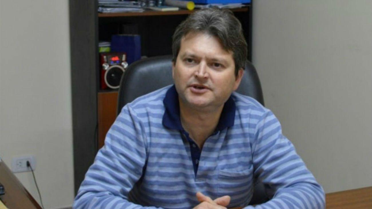 Gaspar Dudek, intendente de la localidad misionera de Cerro Azul, se bajará el sueldo un 25% para colaborar con la situación económica del país.
