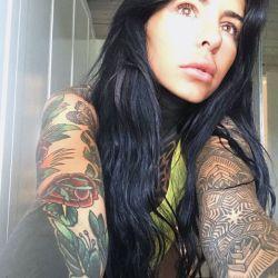 0612_tatuajes_flores_cande_tinelli_g