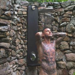 Mauro Icardi desnudo