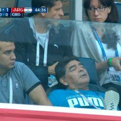 maradona durmiendo argentina nigeria
