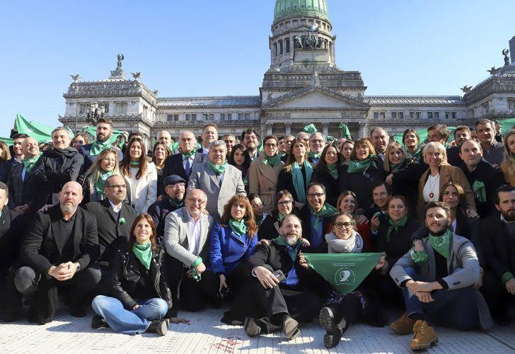 Aborto funcionarios y legisladores de