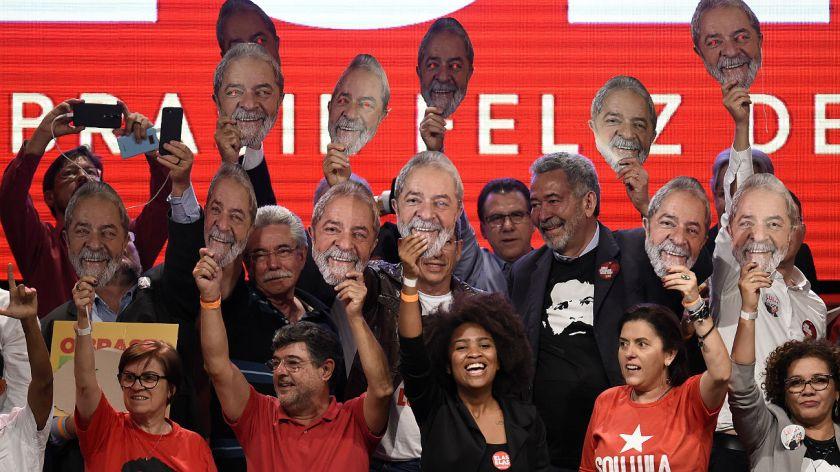 Brasil: un Lula preso sigue a la cabeza de las encuestas