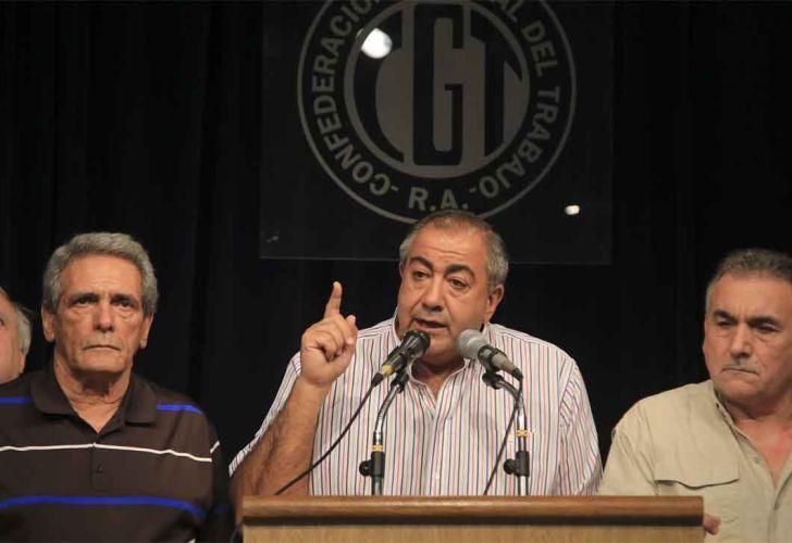 Juan Carlos Schmid, Héctor Daer y Carlos Acuña, en la sede de la CGT