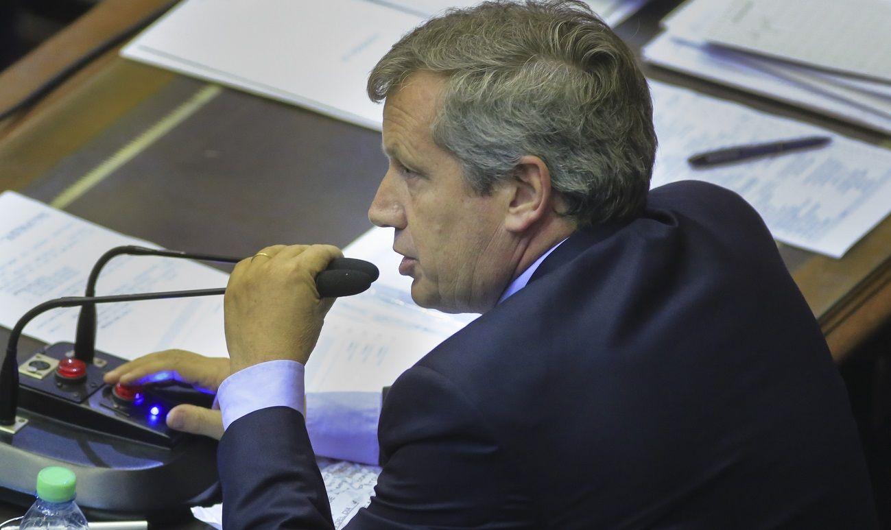 """Emilio Monzó criticó cambiar la """"rosca política"""" por los """"manuales de instrucciones"""""""