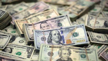 El dólar alcanza un nuevo récord.