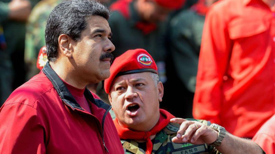 Nicolás Maduro, en un acto junto a Diosdado Cabello en uniforme militar.