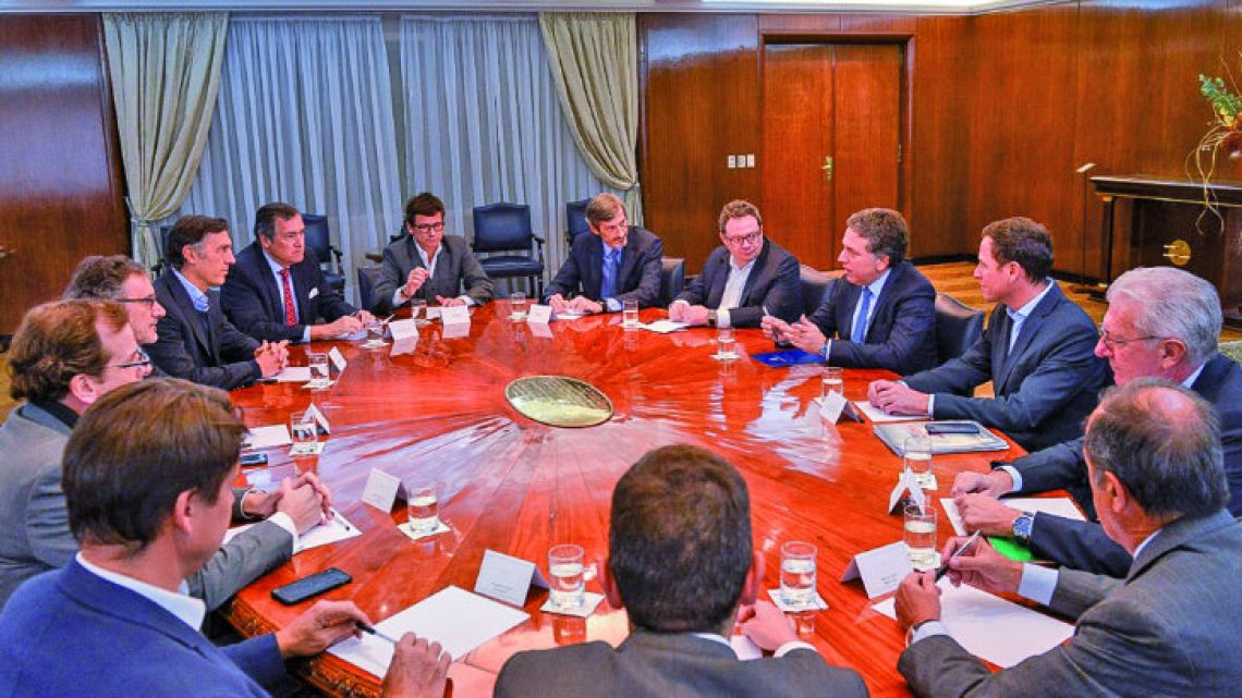 Treasury Minister Nicolás Dujovne meets with the heads of local banks on Wednesday.