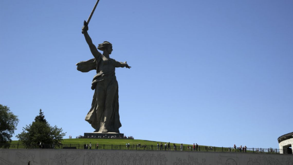 The Motherland Calls monument commemorates the victims of the Battle of Stalingrad, in which the Red Army turned back Nazi Germany's army.