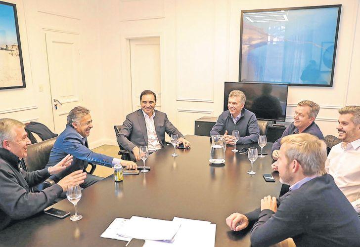 Risas. Sin Vidal ni Larreta, el viernes hubo mesa chica en Olivos.