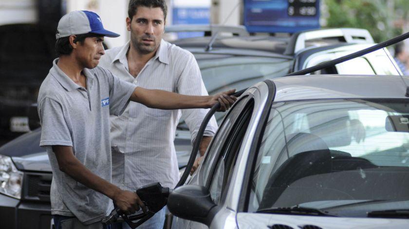 Otra vez subirán los precios de las naftas