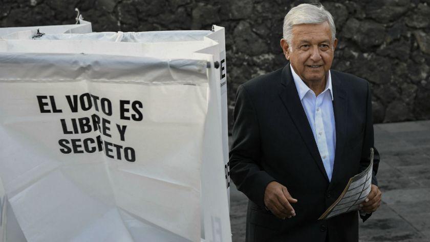 Los mexicanos escogen entre el cambio y el continuismo — López Obrador