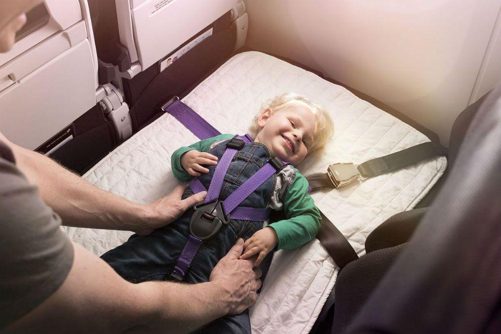 Esta aerolínea ofrece asientos que se convierten en cómodas camas... ¡y en clase turista!
