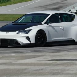 1-cupra-e-racer-10-test