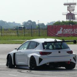 2-cupra-e-racer-10-test