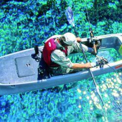 Kayak con fondo transparente