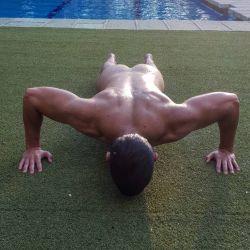 Miguel Herran desnudo