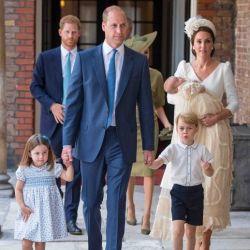 la-familia-real-y-el-principe-harry