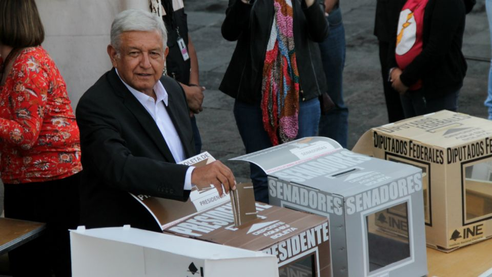 Andrés Manuel López Obrador, candidato de una coalición encabezada por el Movimiento Regeneración Nacional (Morena)