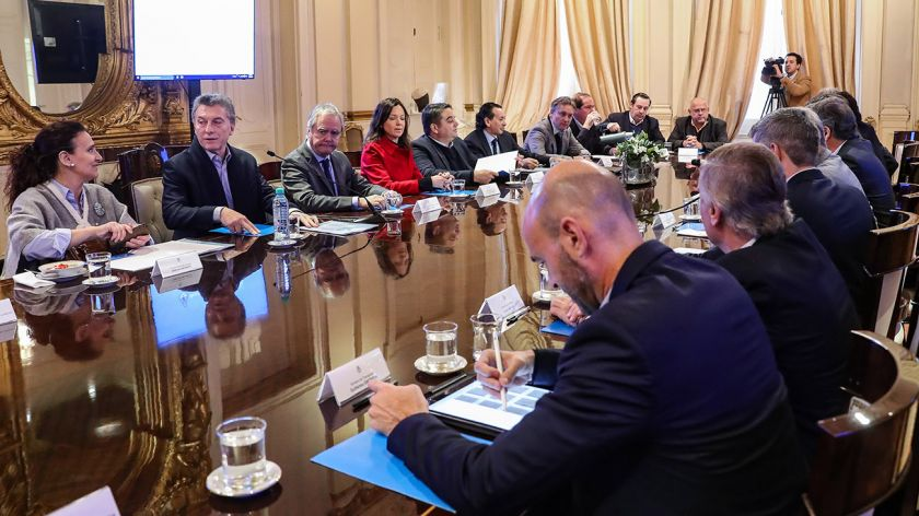 Macri congeló el ingreso de empleados públicos en el Estado