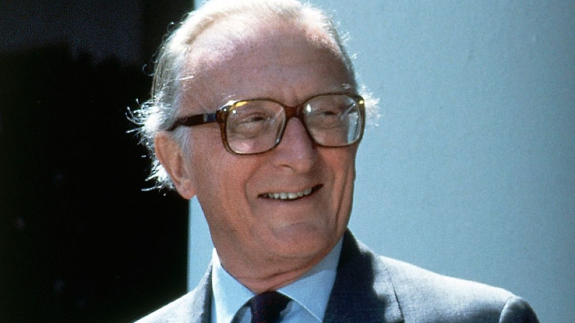 Former British foreign secretary Lord Carrington, the last surviving member of Winston Churchill's post-war government, has died at the age of 99, Downing Street said Tuesday.