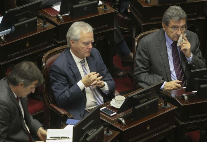 Los senadores Esteban Bullrich, Federico Pinedo y Oscar Castillo.