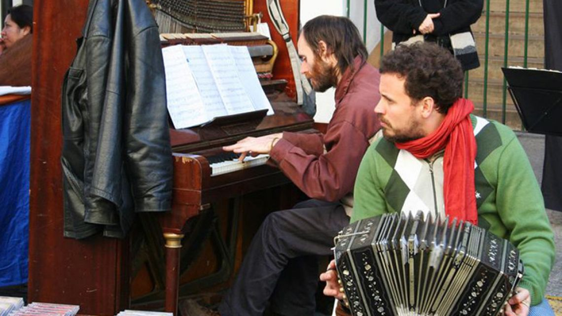 Buskers form an important part of Buenos Aires' cultural identity.