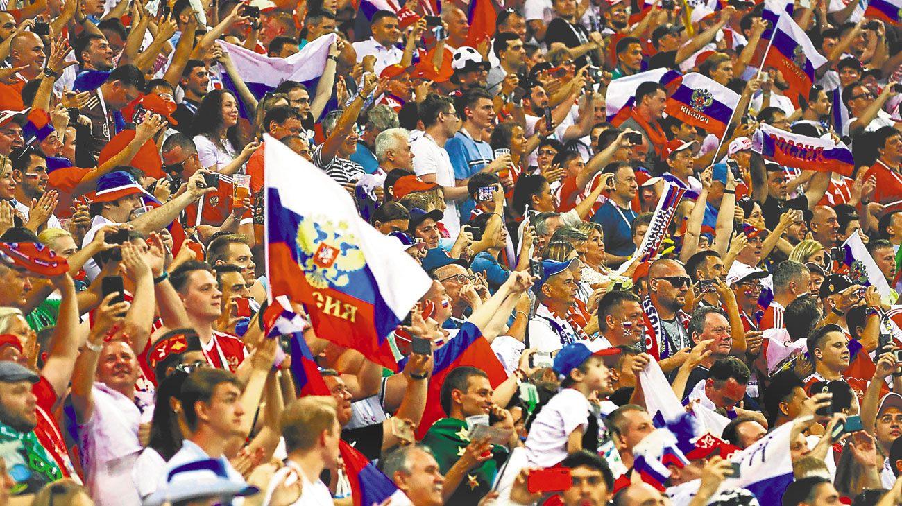 fervor. Los rusos se ilusionaron con la selección; mañana volverán a la realidad.