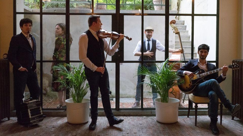 Ariel Eberstein con su agrupación Sónico